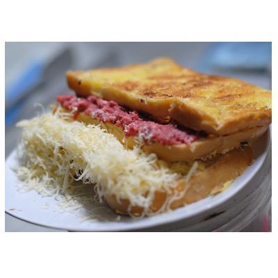 Roti Bakar Corned Keju Beverly Hills Varian Roti Tawar Gambar 1